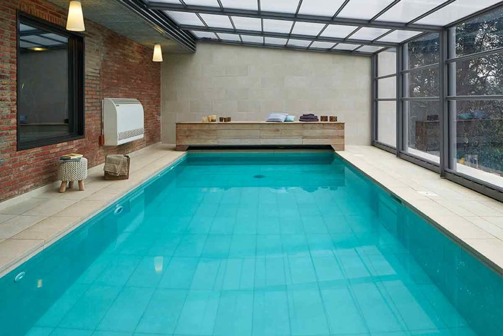 These are the latest trends in pool design rosa gres for Pool design trends