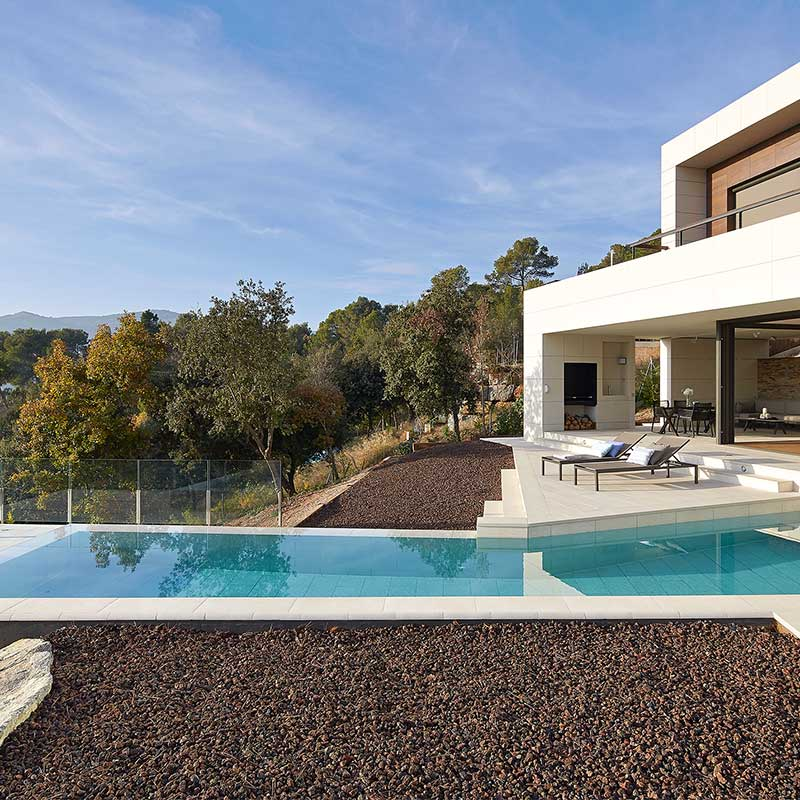 Architect private pool mistery white