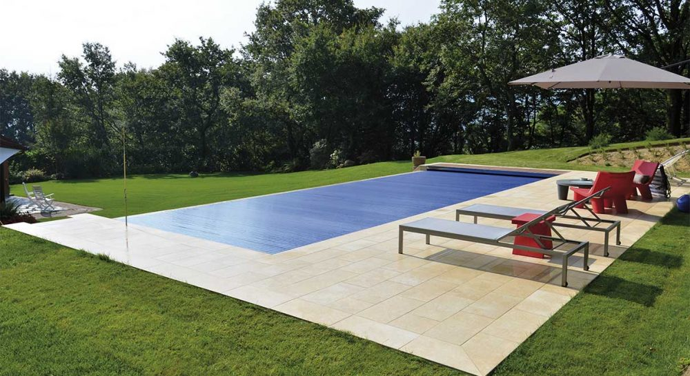 Infinity pool gallery rosa gres for Piscina privada