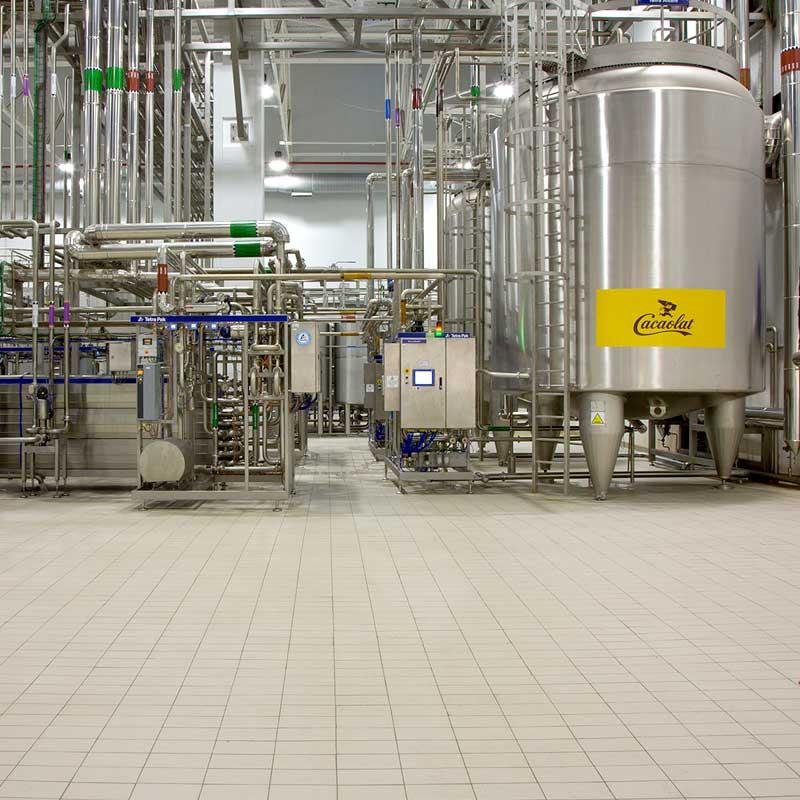 Suelos Indugres en fábrica industrial de Cacaolat