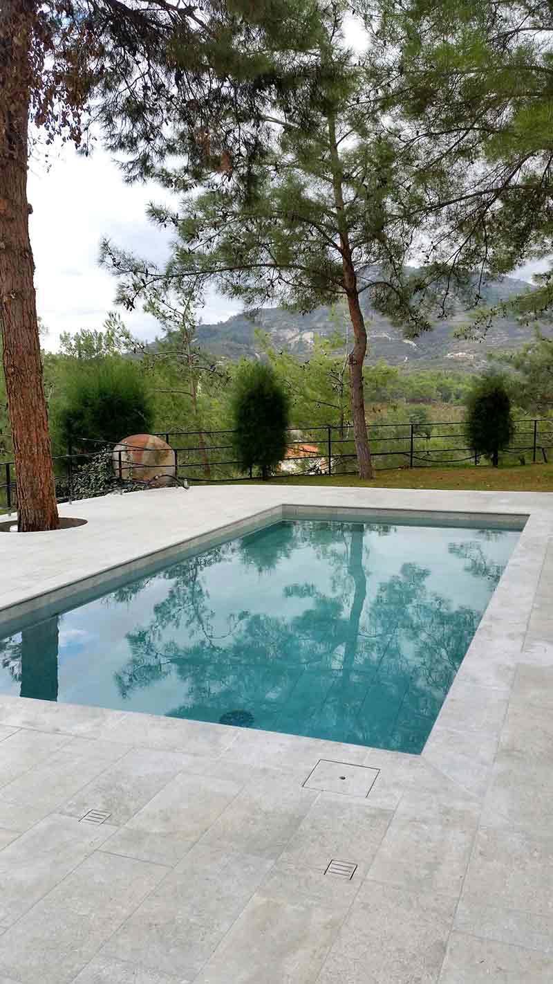 rosa-gres-piscina-mistery-grey-porcelanico