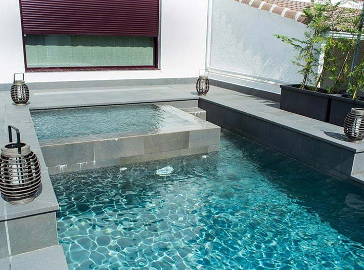 Add a spa to your pool to enjoy it much more