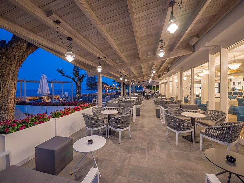 Pavimento de Gres Porcelánico - Restaurant del Hotel Mar Menuda, Tossa