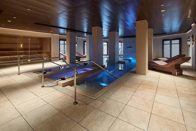 Revestimiento de Gres Porcelánico Serena Ocra - Spa Gran Hotel Miramar