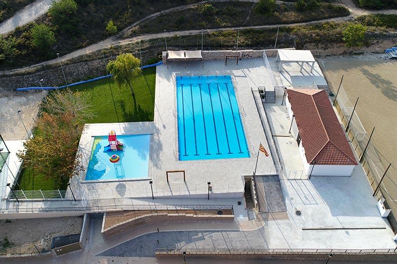 Vista playa de piscina municipal Vallmoll, Tarragona