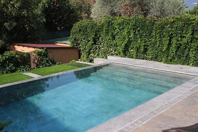 Piscina privada mistery blue stone piscinas oscer rosa gres - Proyecto piscina privada ...