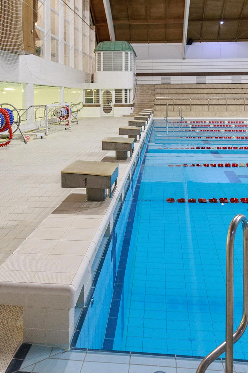 Starting Wedge with antislip tiles – Swimming Pool Nyéki Imre, Budapest – Aqua Collection