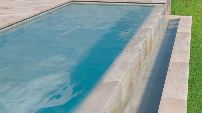 A one piece solution for infinity pools in a single edge piece- Pietro White Collection