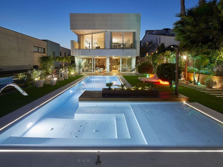 5 Spectacular pools made with porcelain stoneware in 2018