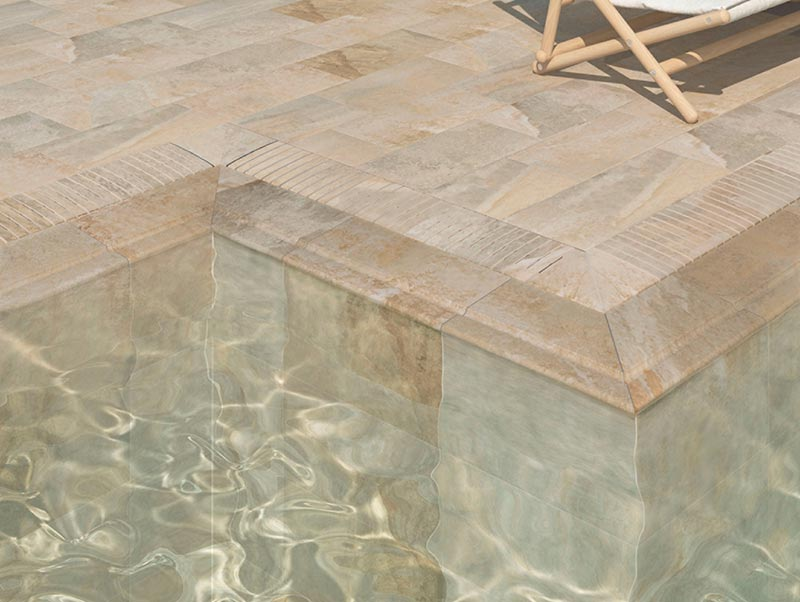 Pool edge and grid in porcelain stoneware Pietro Golden - Rosa Gres