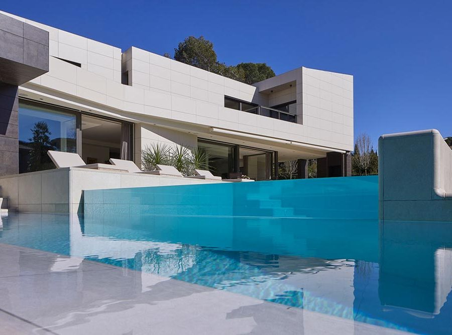 Infinity pool with two levels and terrace Rosa Gres - Mistery White