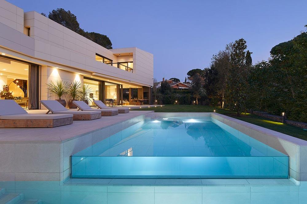 Infinity pool design Rosa Gres - Mistery White