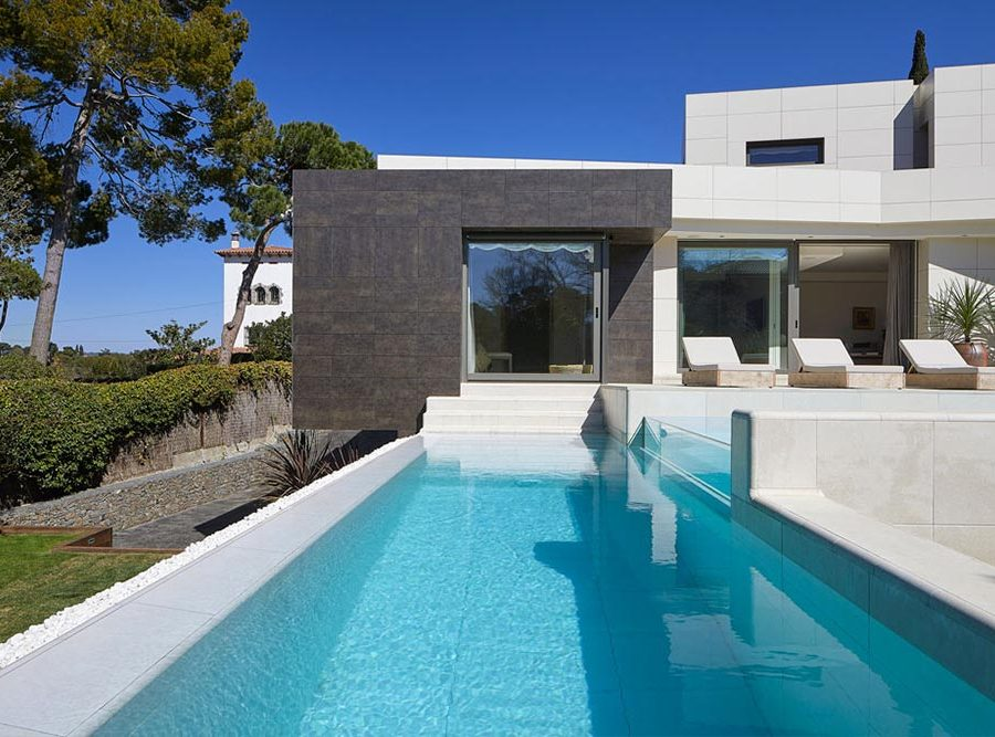 Infinity Pool Rosa Gres - Mistery White