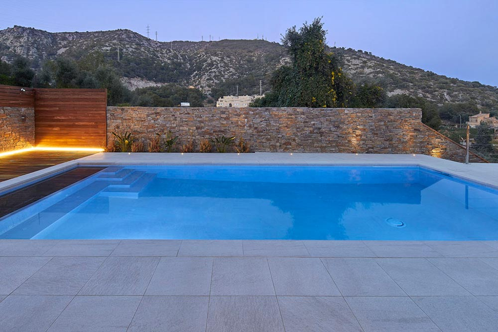 Rosa Gres porcelain stoneware private pool - Serena Bianco