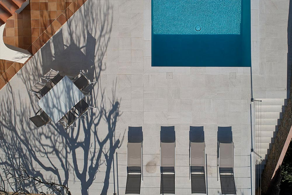 Pool deck in porcelain stoneware Serena Bianco - Rosa Gres