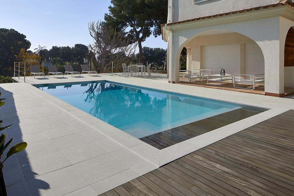 Private pool in porcelain stoneware Serena Bianco - Rosa Gres