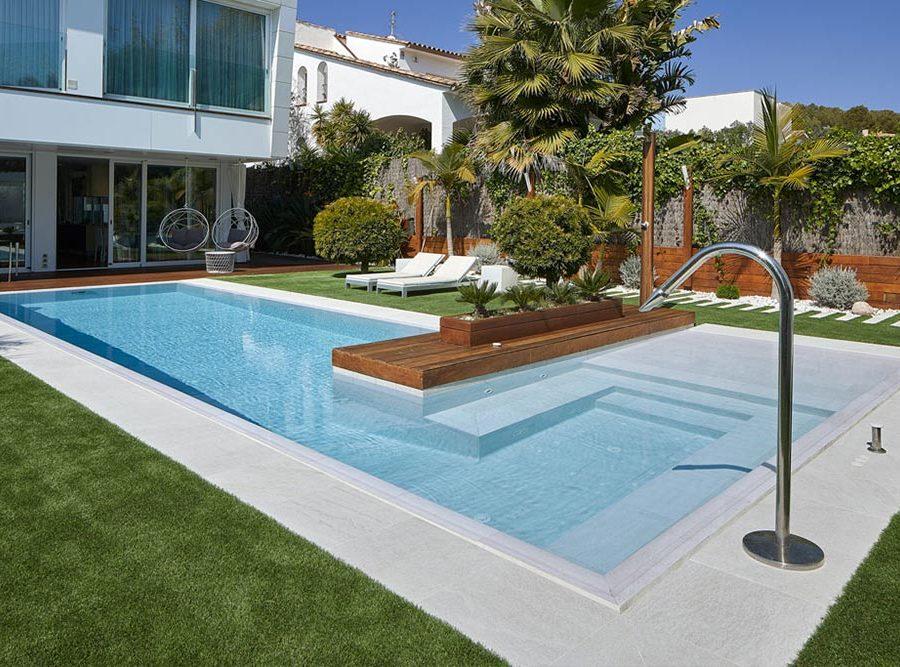 Carreaux de piscine en grès cérame Serena Bianco. Sitges | Rosa Gres