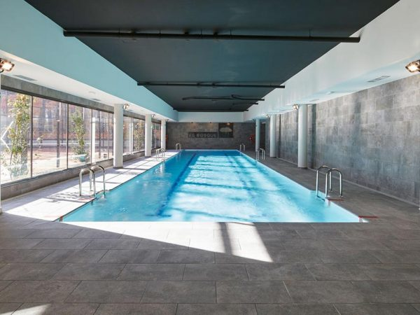 Piscina Privada. Mistery Blue Stone. El Bosque, Madrid