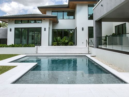 Pool edge in porcelain stoneware Serena Bianco | Rosa Gres