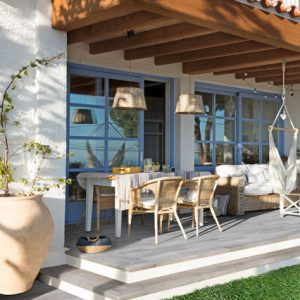 Deck with wood look tile flooring in porcelain stoneware - Alma Mist