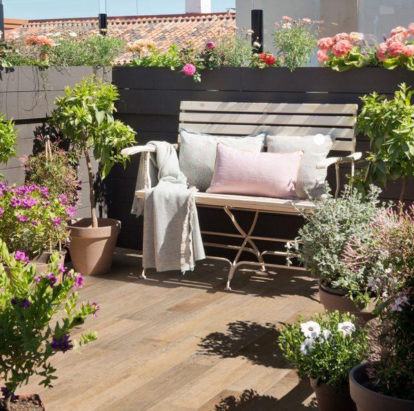 Cómo limpiar el suelo de tu terraza de forma fácil