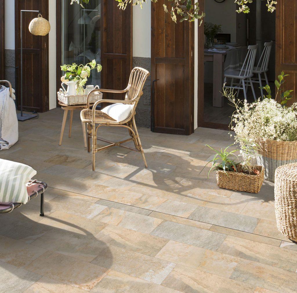 La nueva canaleta de gres porcelánico ideal para terrazas